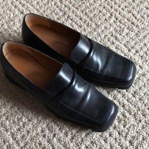 Shoes - Ladies Black Shoe size 10